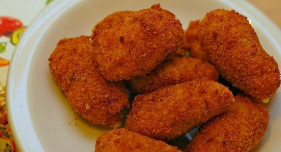 Croquetas caseras de jamón serrano, queso de Cabrales o ...  Croquetas caser...