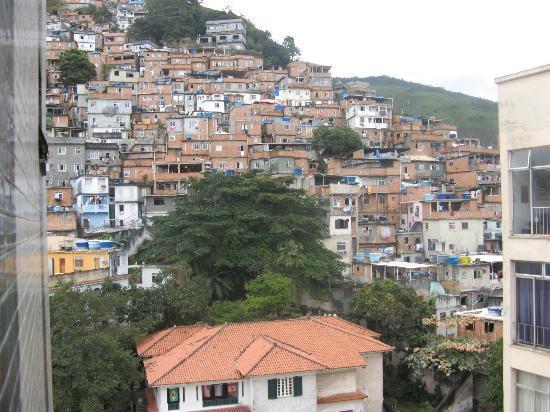 Ducasse Rio Hotel: dintorni hotel..favela