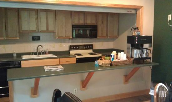 Crown Villa RV Resort: Coffee and newspaper every morning