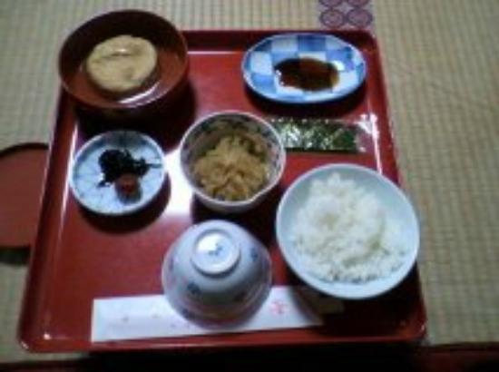 Mt.Koya Kumagaiji: 朝食 がんもどき・切り干し大根・のり・梅干し・昆布・お味噌汁・ごはん