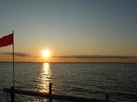 Sanderling Resort: Sunset on the Sound