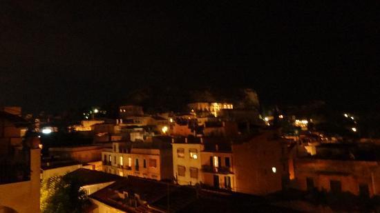 Hotel Residence Circe: At night