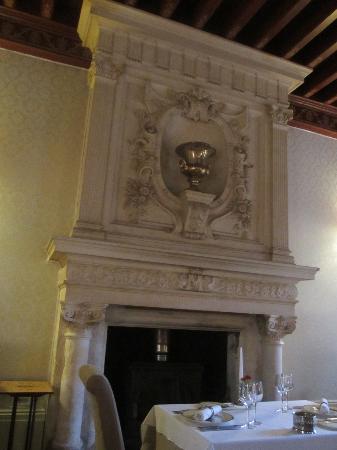Chateau Le Mas de Montet: Cheminée