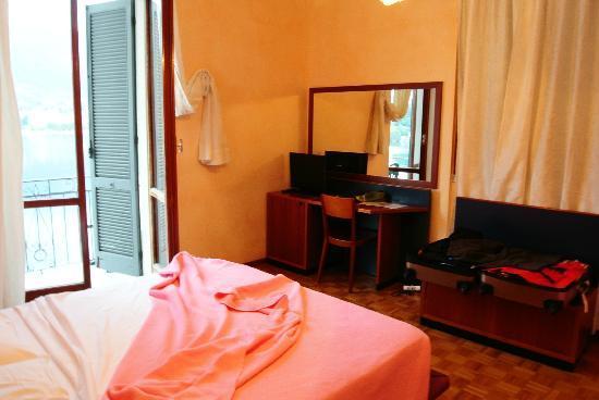 Hotel Promessi Sposi: Room