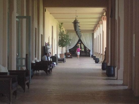 Club Med Marrakech La Palmeraie: corridoio centrale