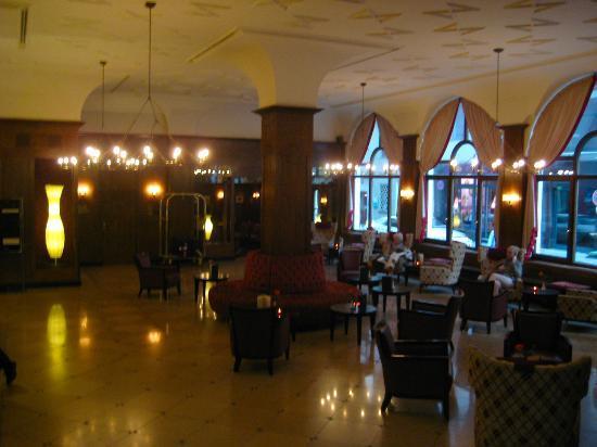 Platzl Hotel: Lobby