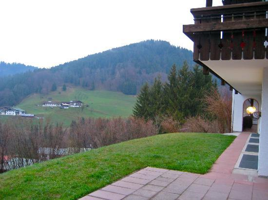 Alpenhotel Denninglehen: View from Hotel Patio
