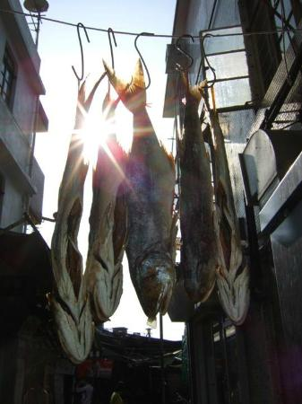 Cheung Chau B & B: Making salted fish