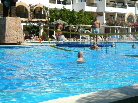 Hotel Club Bahamas Ibiza: water volley ball