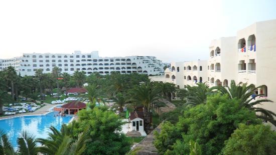 Hotel Manar: Half the hotel