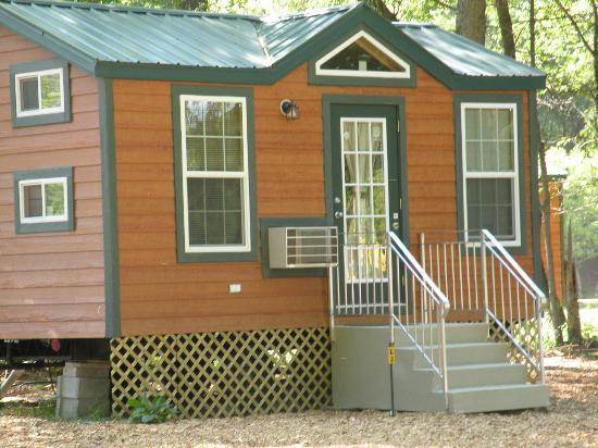 Copake KOA: Deluxe Cabin Rentals (Have their own bathroom)