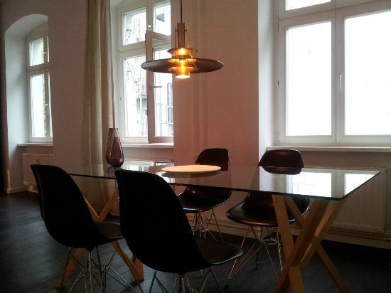 Homage Design Apartments: Salle de séjour
