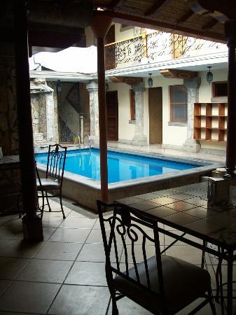 Hostel Oasis: Piscina (img 2)