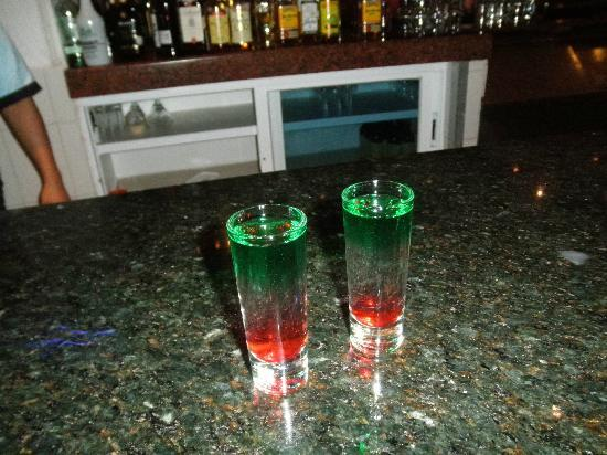 Occidental Costa Cancun: mexican Flag shots!