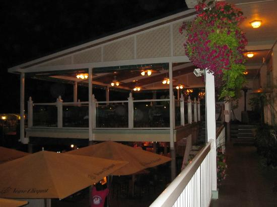 Chippewa Hotel Waterfront: Outside Deck and Patio Seating - Pink Pony