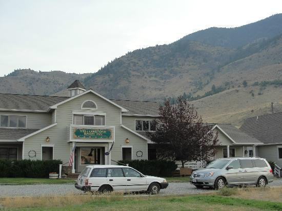 Yellowstone Basin Inn: The Inn