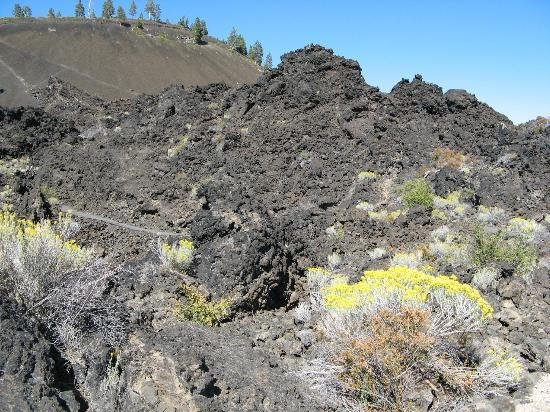 Lava Lands Visitor Center: Trail of the Molten Land