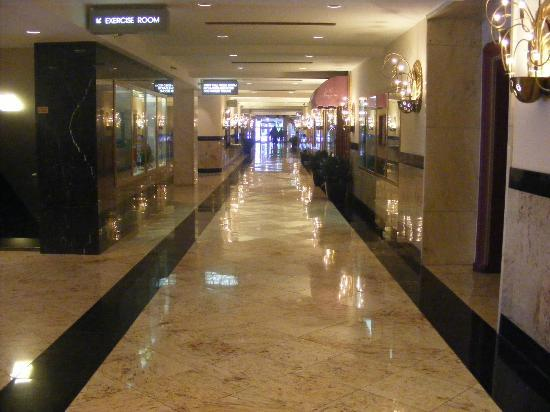 The Congress Plaza Hotel and Convention Center: Lobby