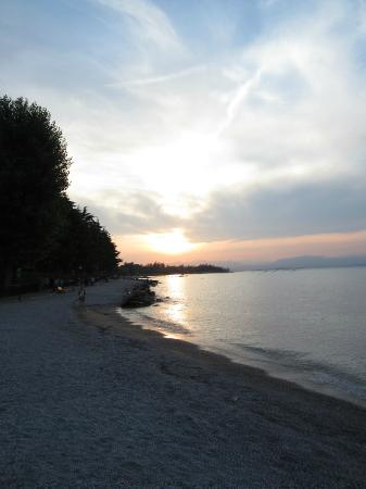 Hotel Puccini : Beach 2 minutes walk