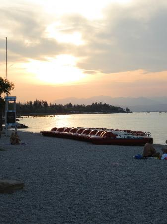 Hotel Puccini: Beach 2 minutes walk from hotel