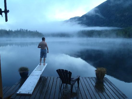Sakinaw Lake Lodge: Early morning from the Pine Suite 