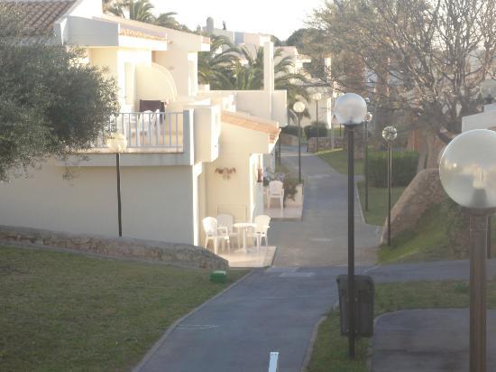 Blau Punta Reina Resort: vialetti...