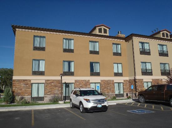 Holiday Inn Express Suites Lander: Hotel