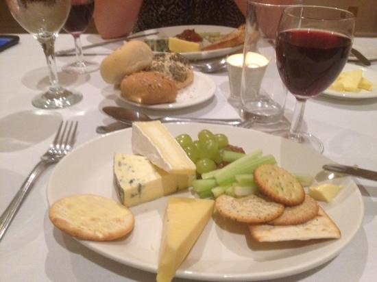 Hellidon Lakes Golf & Spa Hotel: Great cheese and biscuits too!