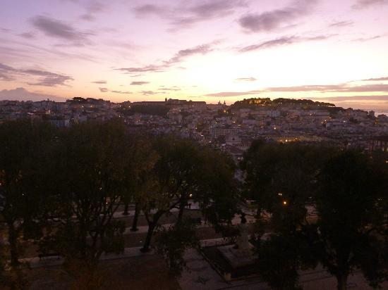 The Independente Hostel & Suites: Sunrise of a beautiful day in Lisbon