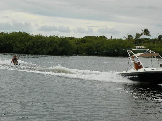 Club Med Cancun Yucatan: Ski Nautique