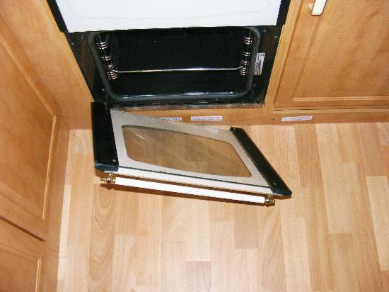 Sfield Country Park Oven Door Fell Off First Day Not Repaired During Week