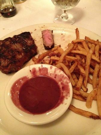 Joe Allen: NYC Stripsteak with Sweet potato fried and Red Wine Sauce