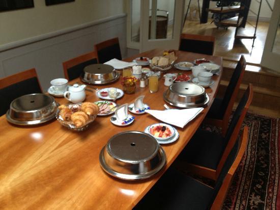 Grand Hotel: Frukost på rummet!