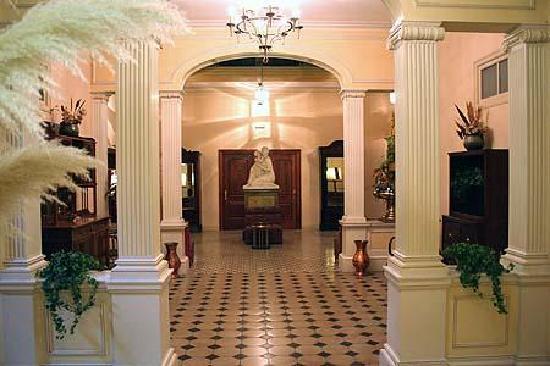 Hotel Suis: Interiors