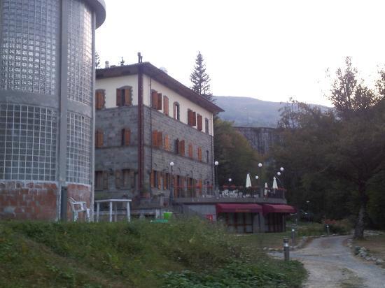 Antica Dimora Villa Basilewsky : Scorcio della villa