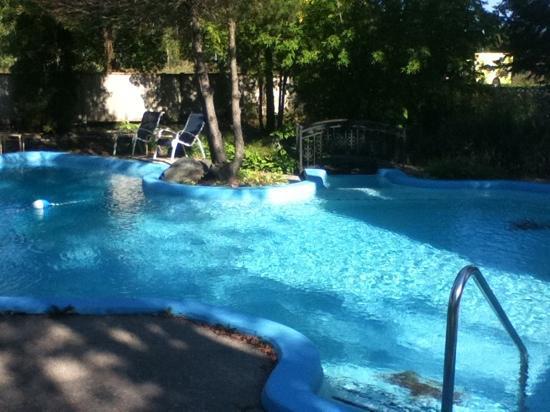 هوتل آند سبا إيتويل سور لو لاك: piscine