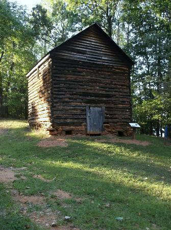 Huddleston, VA: Tobacco barn on Tobacco Run trail