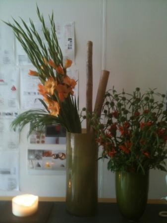 My Bloomsbury: Blommor i lobbyn.