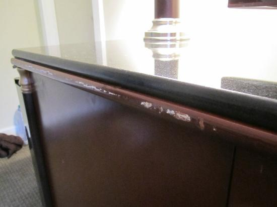Lake Placid Summit Hotel: More scratches... and their sad attempt at making the stand look better with a granite slab.