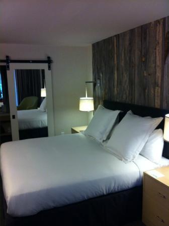 Hotel Paradox, Autograph Collection : Nicely Appointed Bedroom
