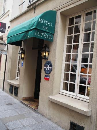 هوتل دو لوتيسي: Front of Hotel de Lutece 