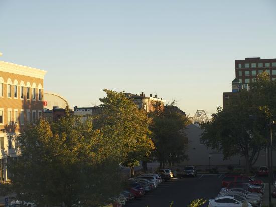 Fairfield Inn & Suites Louisville Downtown: View from Window