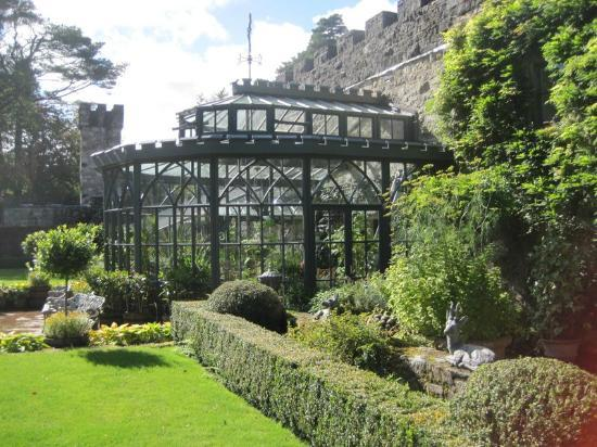 Castillo Glenveagh: Greenhouse that's part of the castle's gardens
