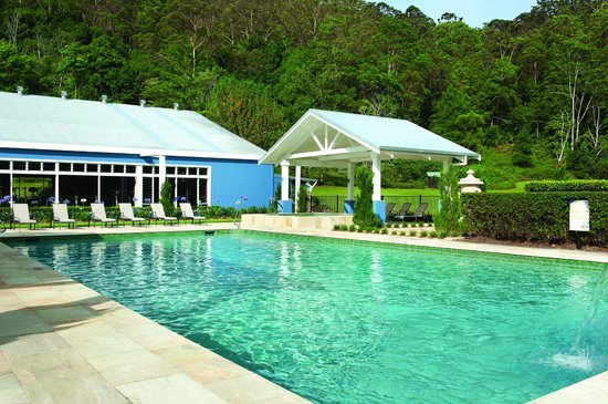 Eden Health Retreat: Luxurious heated pool/spa
