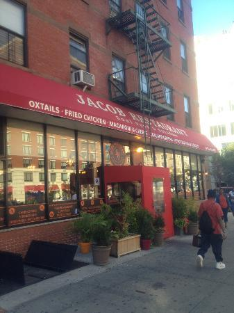 Taste Harlem Food & Cultural Tours : Jacob Soul Food Restaurant