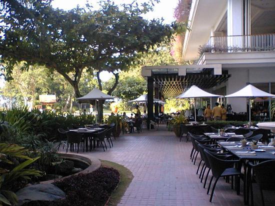 Shangri-La's Mactan Resort & Spa: レストラン
