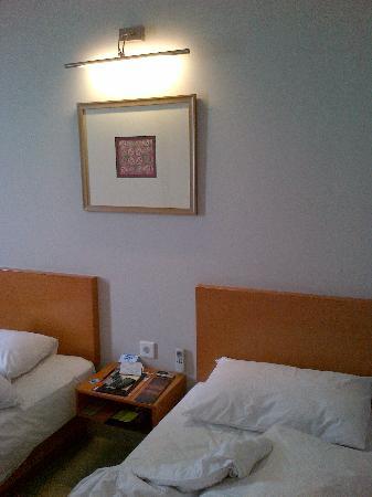 Hotel Santika Jemursari : Bedroom