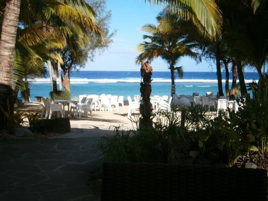 Crown Beach Resort & Spa: Where we have breakfast every morning !