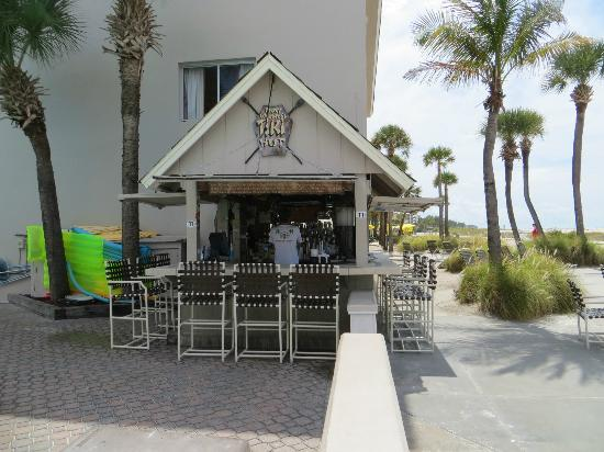 Thunderbird Beach Resort: Tiki Bar