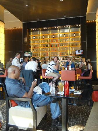 Loews Atlanta Hotel: Hotel bar